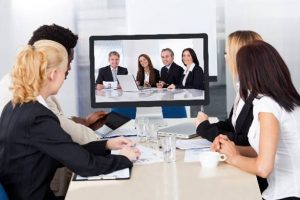 2) オンラインで素早く会議が開催できる