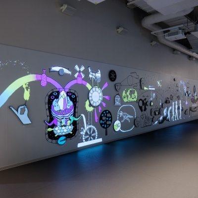福岡市科学館 発見の壁